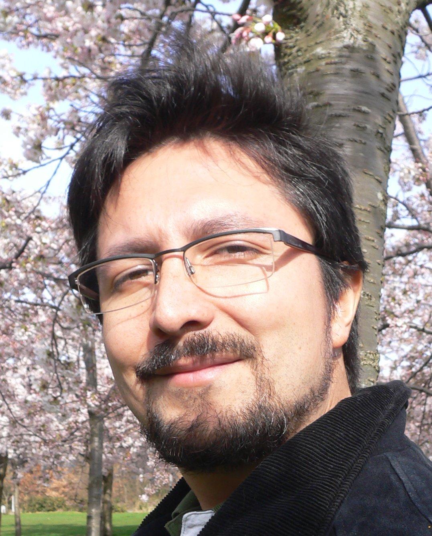 Dr. Miguel Bustamante